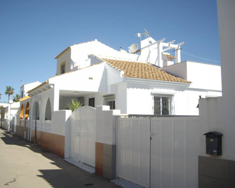 Semi-detached Villa - Sale - Los Alcázares - Oasis